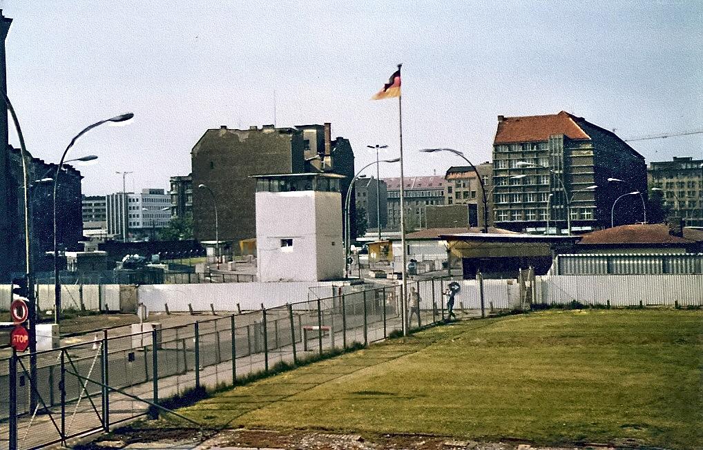 Checkpoint Charlie i Berlin