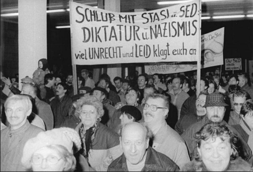 "Krönika: ""Hej, din gamle gaskammarnazist!"""
