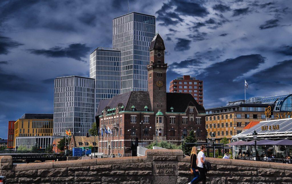 Nyhetskrönika: Lämna kalifatet Malmö medan tid är